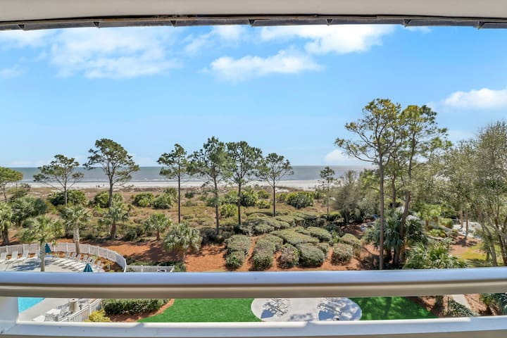 OceanFront Upscale 1 Bdrm Condo/HeatedPool/Sleeps6