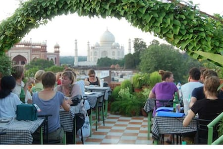 Saniya Palace, Stay At Walking Distance From Taj - Guesthouse
