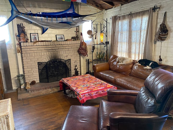 Nice Room in Rustic Brick House in Culver City