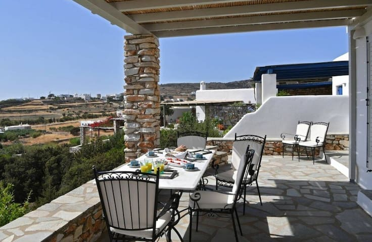 Seaview decorated house for 6 ppl in Paros