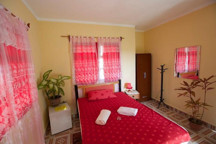 La Terraza B&B | beautiful room in Holguín