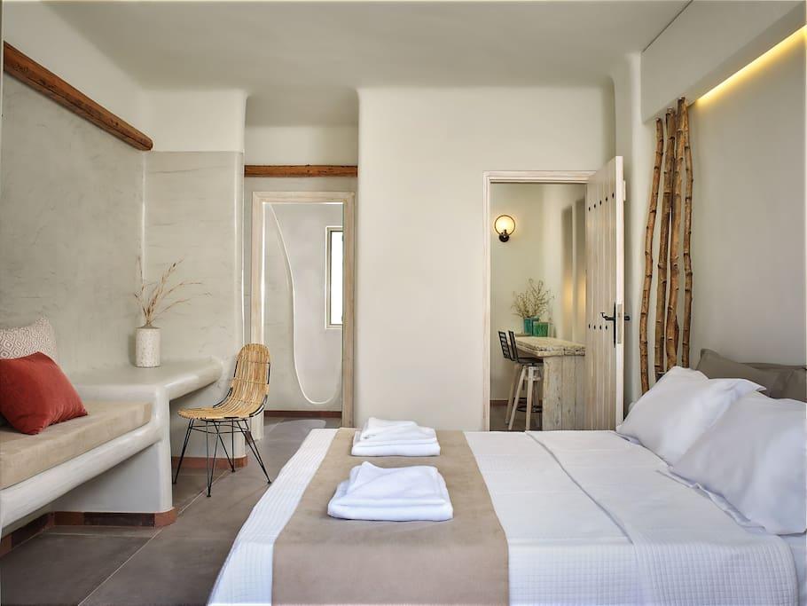 Master Bedroom 1, En suite bathroom