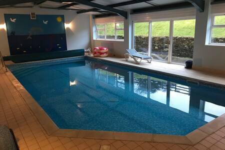 Galford Springs - Large barn - Private Indoor Pool