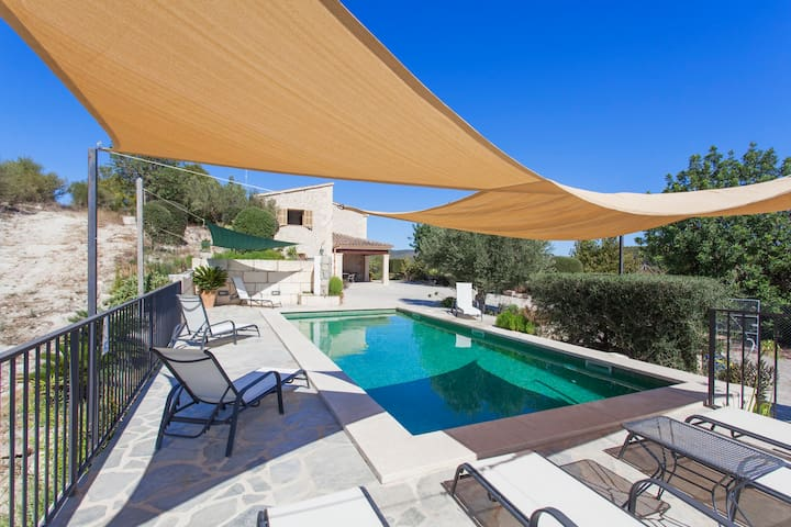Villa in the hearh of the island with all necesary - Pla de Mallorca