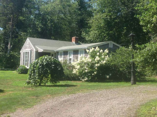Guest House Tucked in the Woods - Westport - House