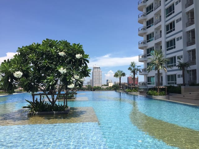 Riverside Studio Flat (Infinity Pool & Gym) - Bangkok