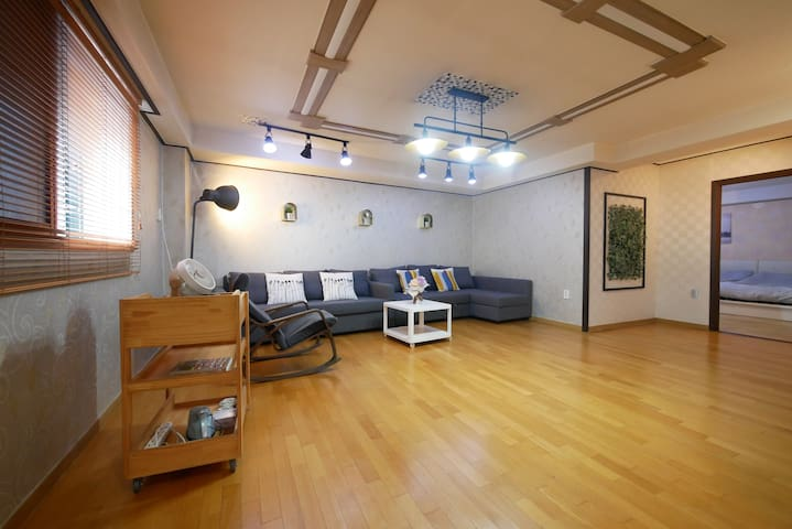[Open Sale] 3BedRoom+2.5Bath 3min Seoul St. #301