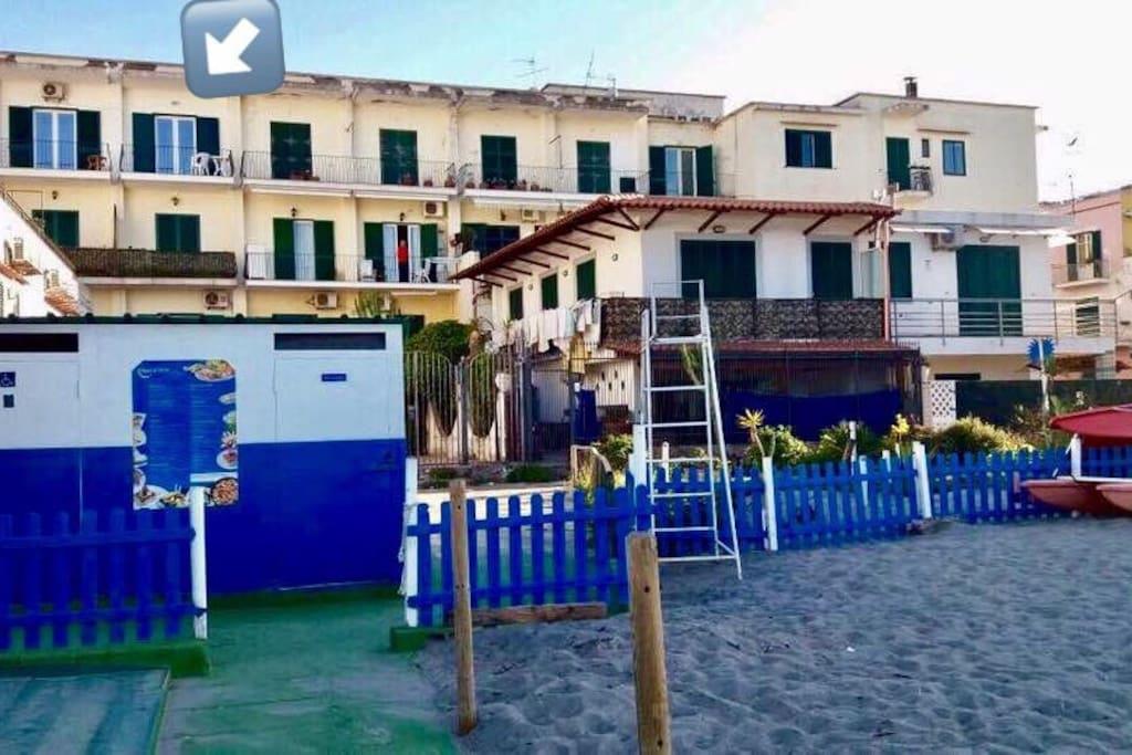 Palazzo con uscita sulla spiaggia