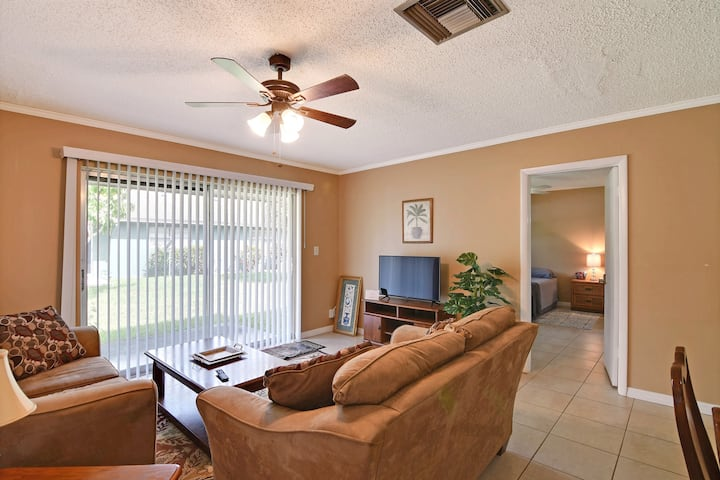 Suite at 16 Place  Vero Beach, Close to the beach!