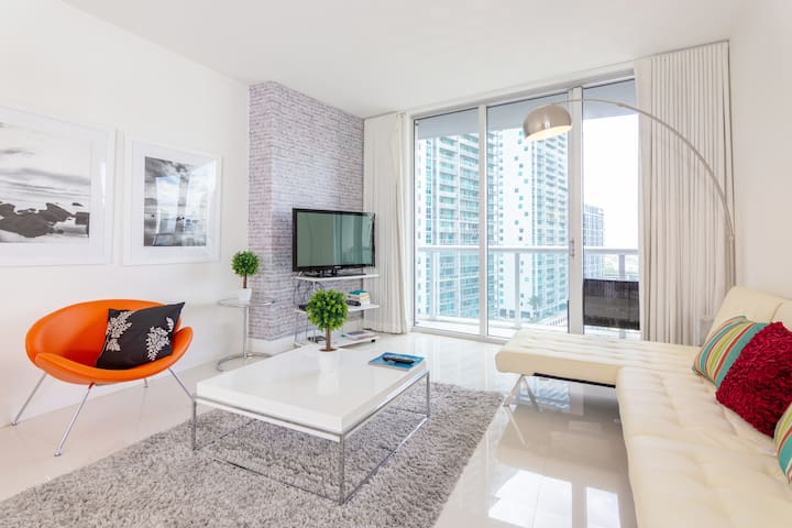 5* Lux&Cozy | Amz City Views | Sleeps 4 Brickell