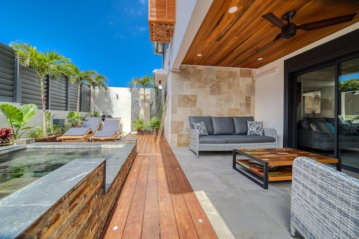 Villa Luxueuse Amadria, 8 pers. proche de la plage, piscine et jacuzzi