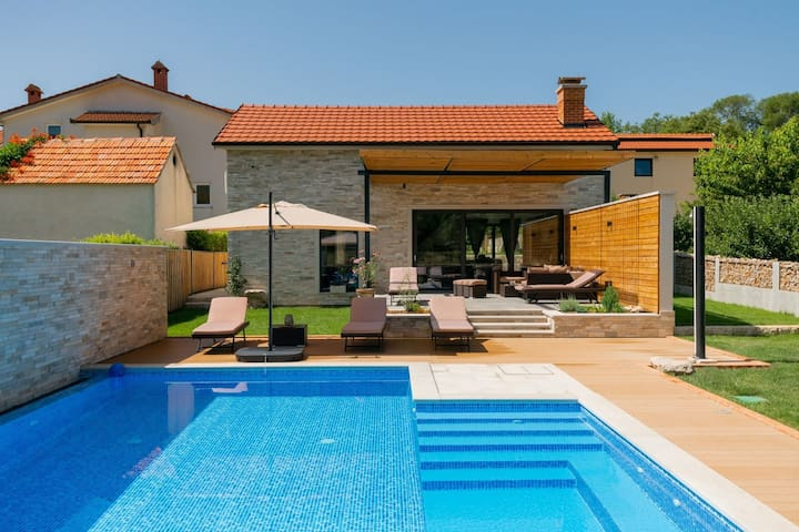 ctim261 - Holiday house with private, heated pool, in Donji Proložac - Makarska, can accommodate 8+2 persons in 5 bedrooms, wi-fi, AC