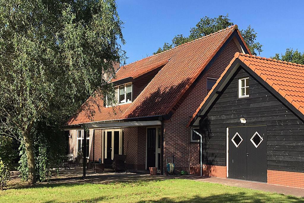 Romantisch buitenverblijf hulshorst lodge houses te for Te huur in gelderland