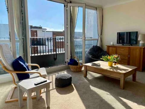 Beach retreat minutes walk from the seafront