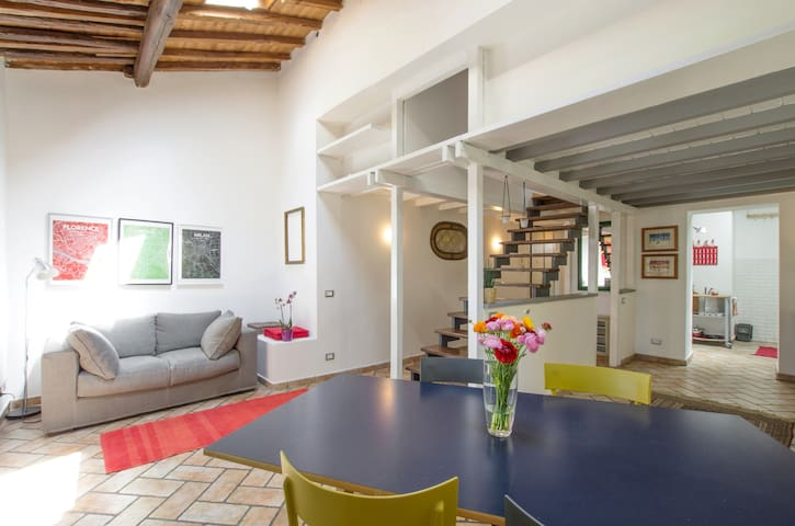Lively house in the heart of Testaccio