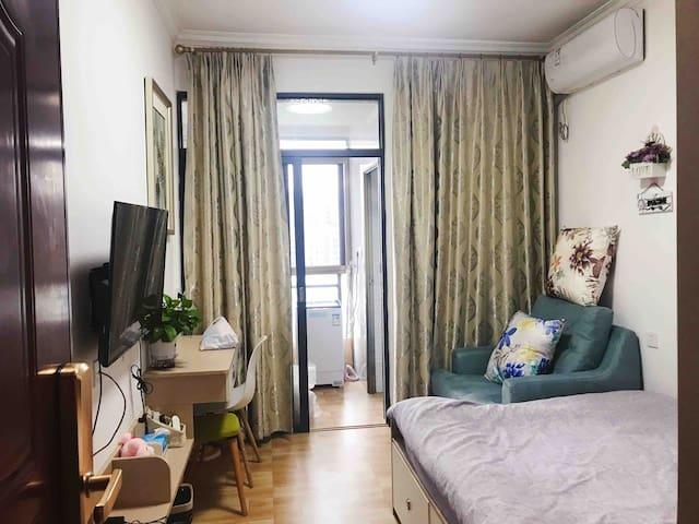 韶关市区现代简约单身公寓