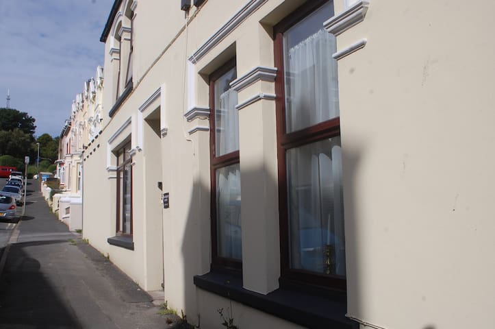 Waverley House Holiday Apartment, Port St Mary - Port St Mary - Byt