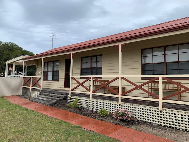 Gorgeous Goolwa - Cute cottage close to the beach