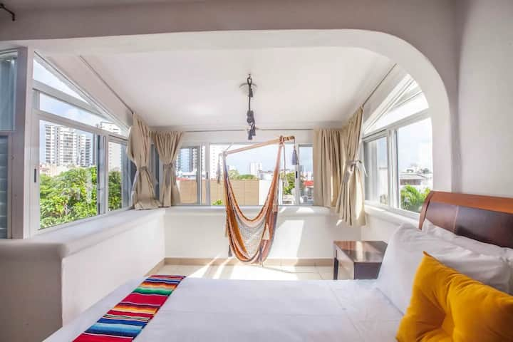 Beautiful Loft in Downtown Cancun Lima.05