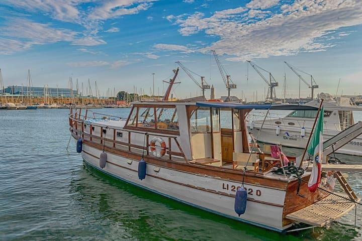 "Boat and Breakfast ""MARTA"""