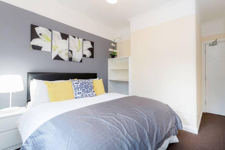 Cosy Modern Bedroom 25 Mins To Central London - Thornton Heath