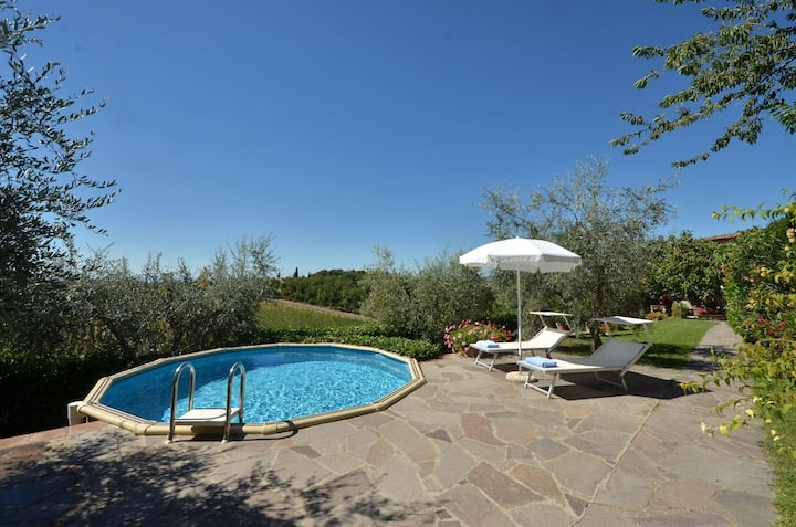 Private Chianti villa with private pool, wifi