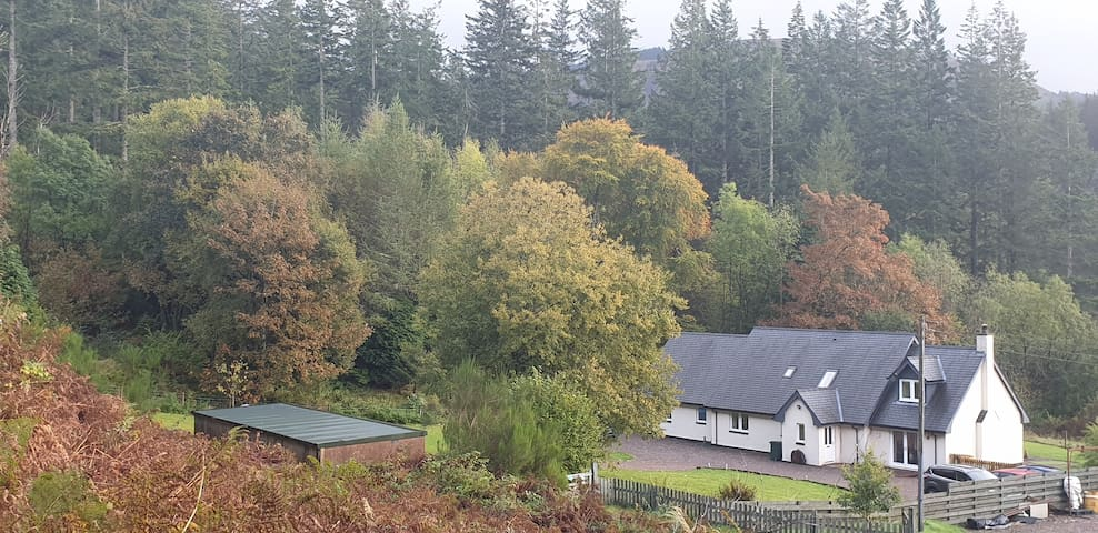 Squirrels Wood Cottage, private annexe, nr Glencoe