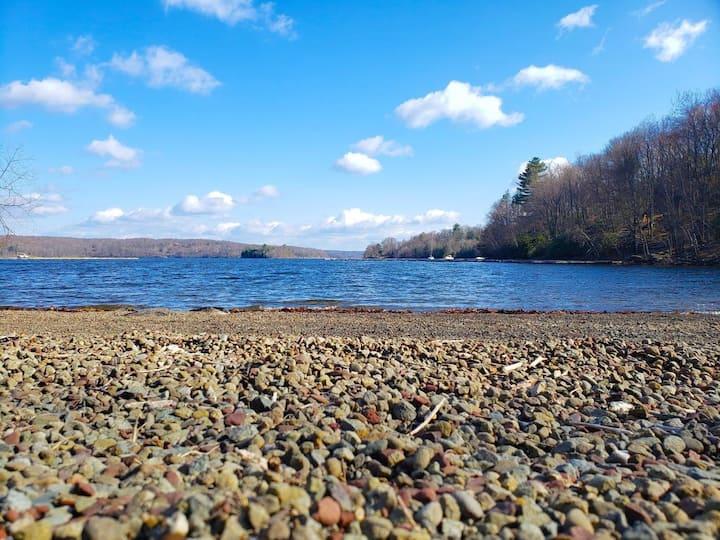 Walk to Lake Wallenpaupack!!
