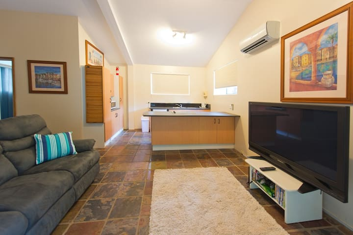 Central Gold Coast Cottage - Mudgeeraba - Casa