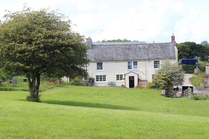 Traditional Farmhouse B&B near Slapton