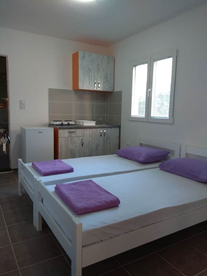 Apartments Mirjana charming studio for two people