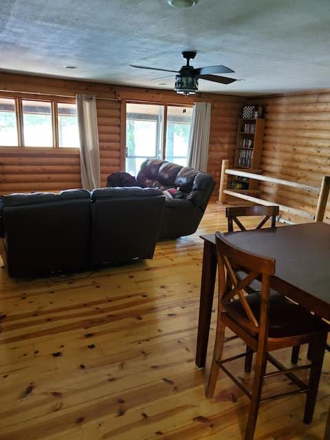Goose Lake Log Cabin