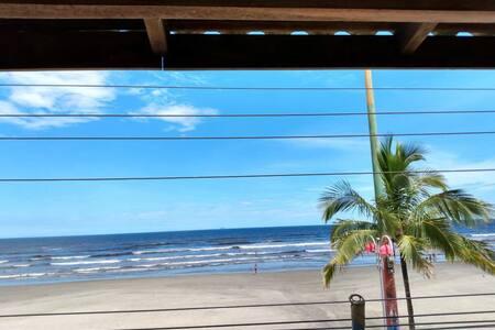A vista + bonita da Praia do Sonho. Lugar de  paz.