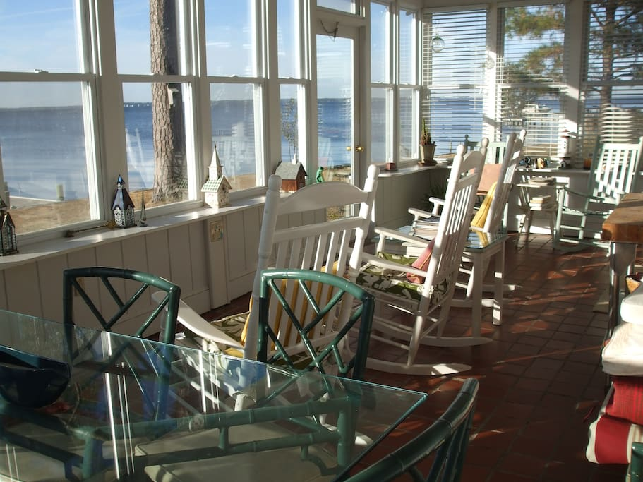 Large sunporch with table that seats 8