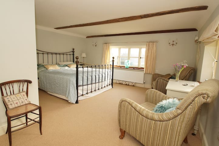 52 acre farm with double room and pool - East Sussex - Casa