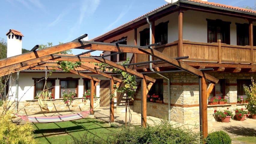 Baba Stana Houses