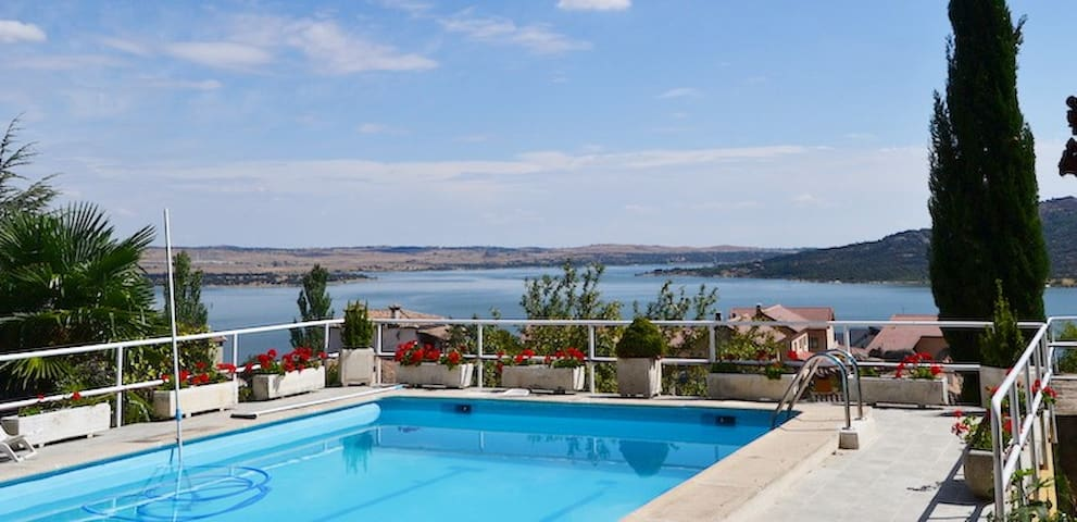 Charming apartment with superb views, pool&terrace