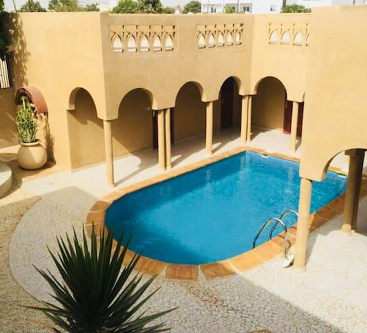 Saly Appartement  avec piscine wifi 500m de la mer