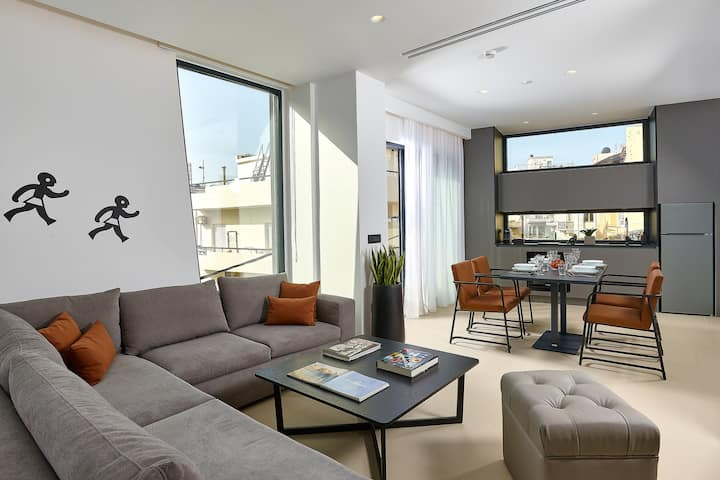 City Lion | Two Bedrooms Apartment