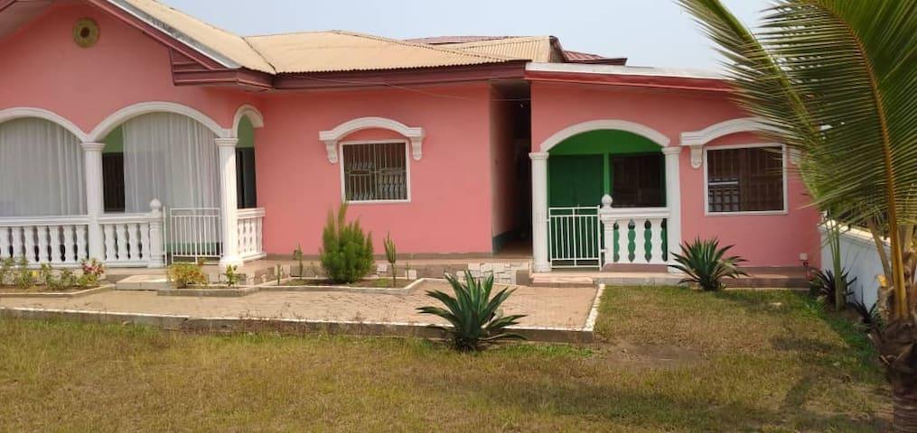 Les villas roses - coeur de kribi