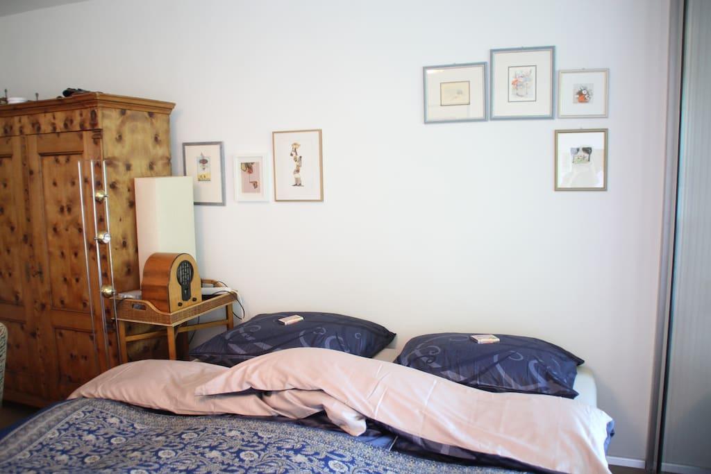 ...Das Bett ist größer als in den meisten Unterkünften und dadurch sehr angenehm zum Schlafen zu zweit...