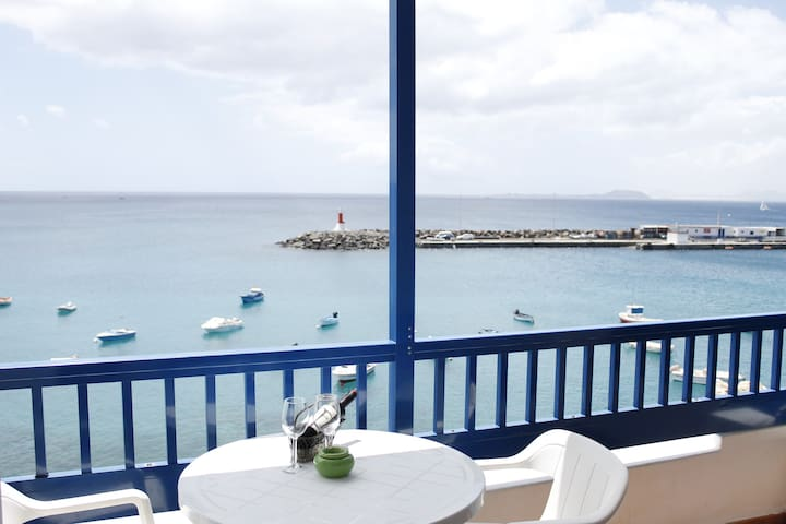 El Faro Sea front with balcony - Playa Blanca - Byt