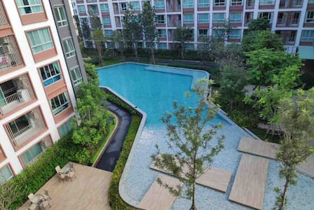 A studio room largest swimming pool 2min to Mall