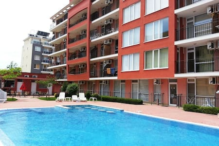 Уютные апартаменты на курорте Солнечный Берег - Sunny Beach