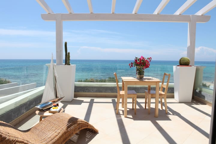 Flat with terrace and sea view - Monacizzo-librari-truglione - Lejlighed