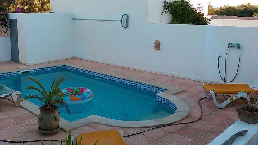 villa avec piscine 3 chambres a midoun