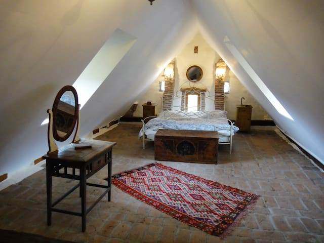 Dominic Boutique , Attic , Cloasterf - Cloașterf - Appartement