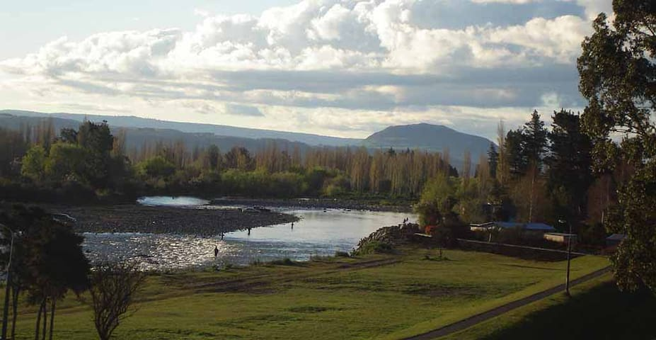 Tongariro River View - Turangi - Hus