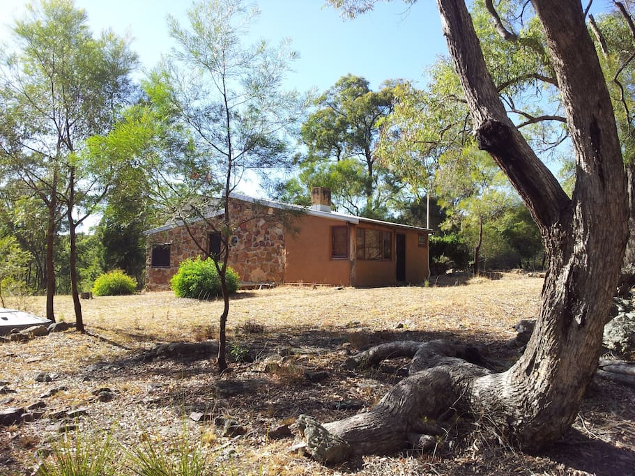 Saddlers Cottage - stone and mud brick - two bedroom, suits 2 couples or family