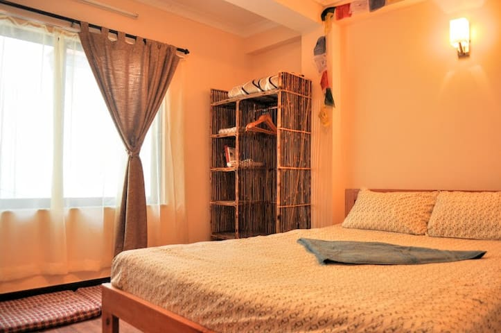Quiet, cozy stay in Patan outskirts - Patan - Casa